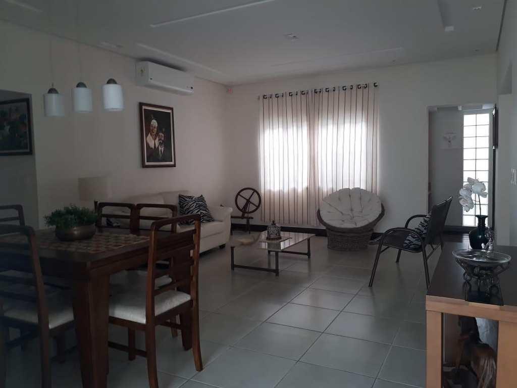 Casa em Itanhaém, no bairro Prainha