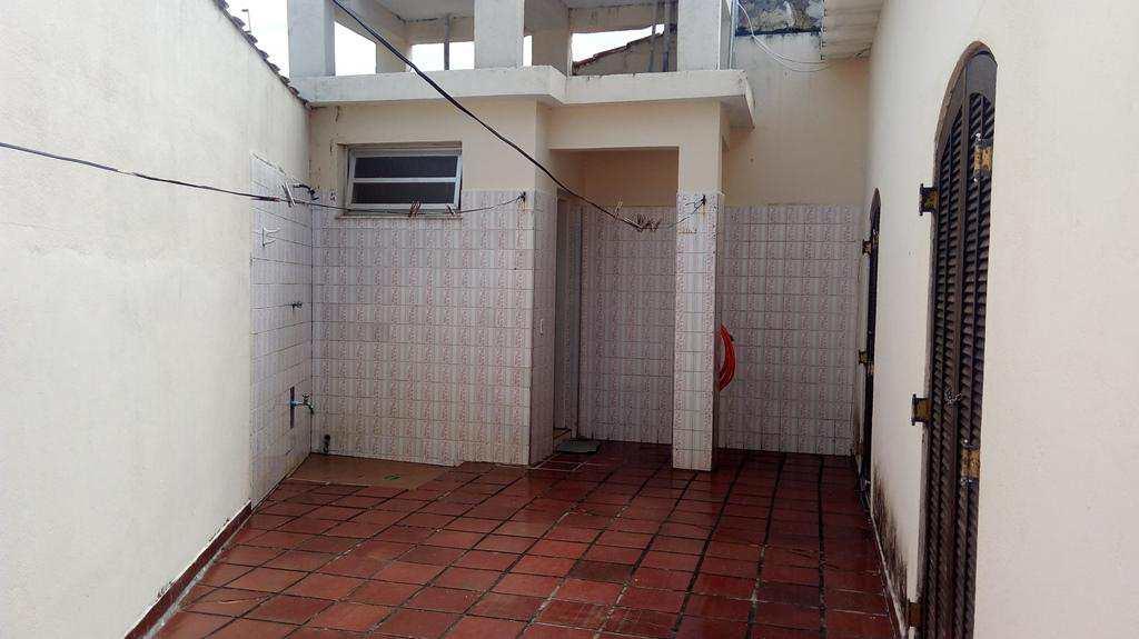 Casa em Itanhaém, no bairro Balneário São Francisco