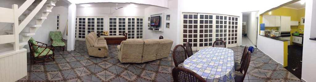 Casa em Itanhaém, no bairro Satélite