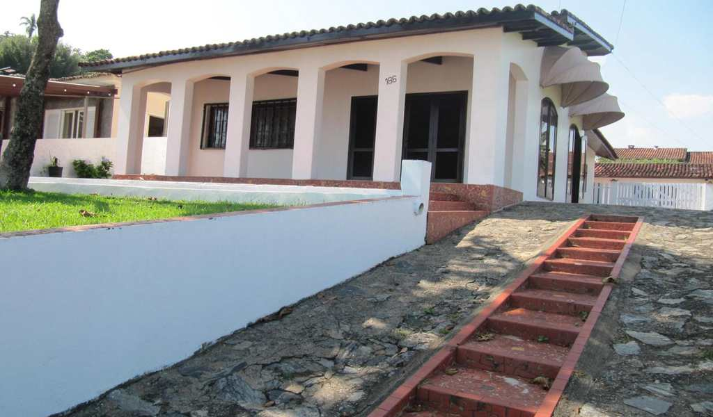 Casa em Itanhaém, bairro Praia do Sonho
