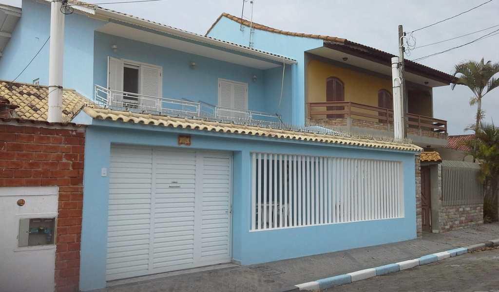 Sobrado em Itanhaém, bairro Jardim Suarão
