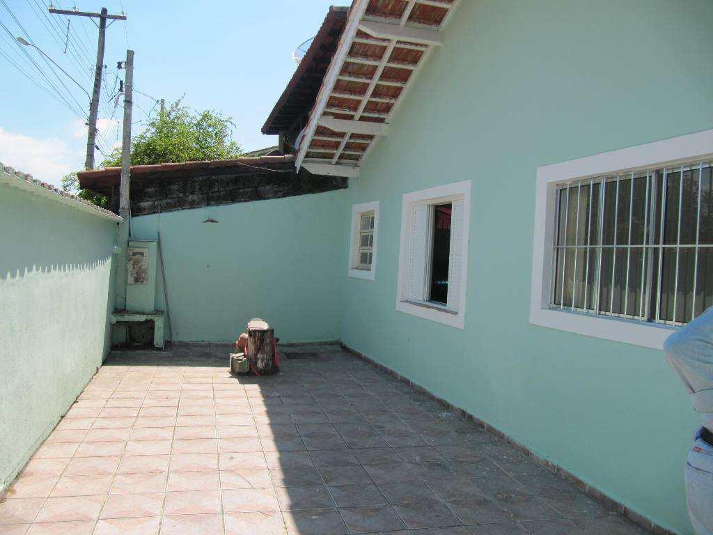 Casa em Itanhaém, no bairro Jardim Ivoty