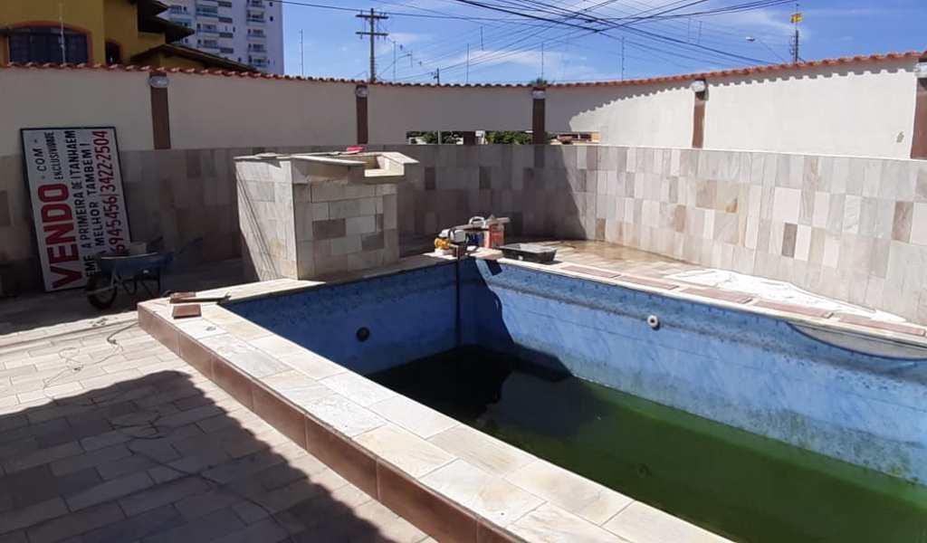 Casa em Itanhaém, bairro Laranjeiras