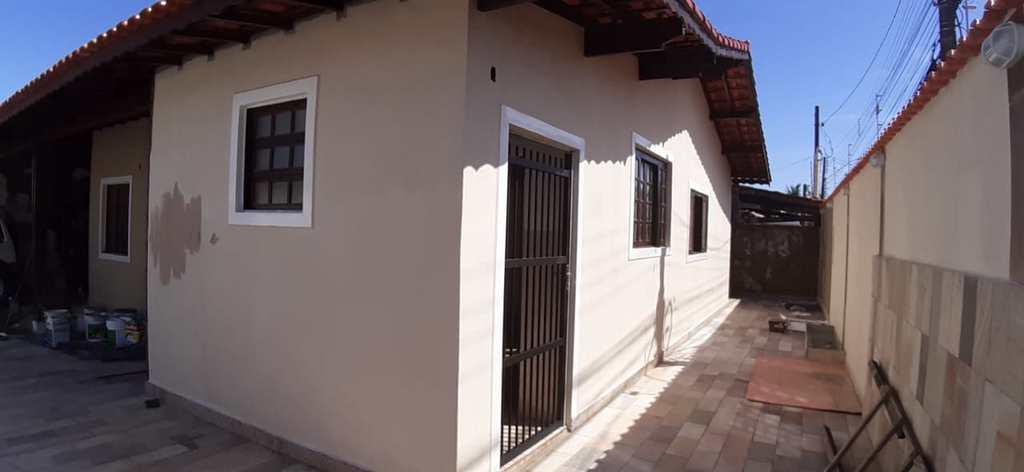 Casa em Itanhaém, no bairro Laranjeiras