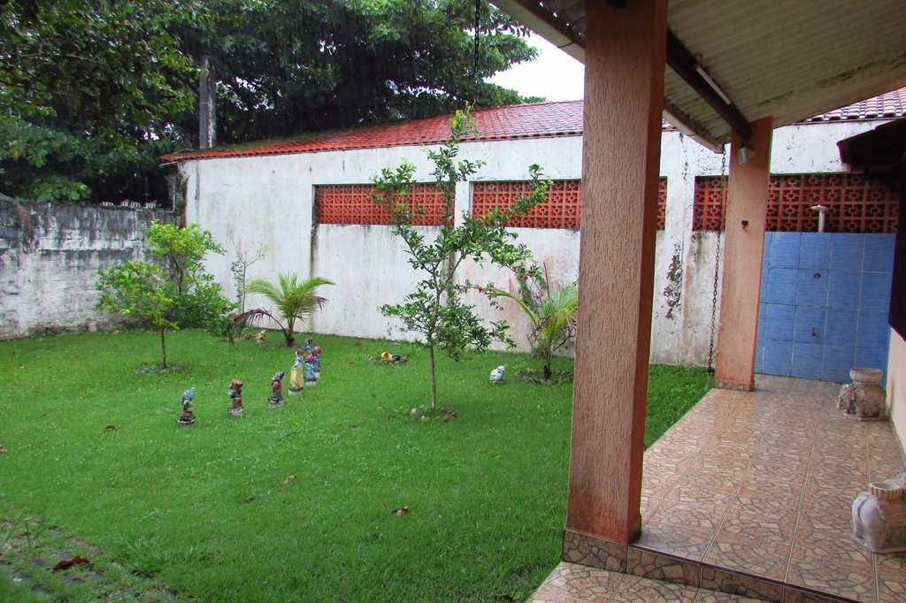 Casa em Itanhaém, no bairro Jardim Santa Júlia