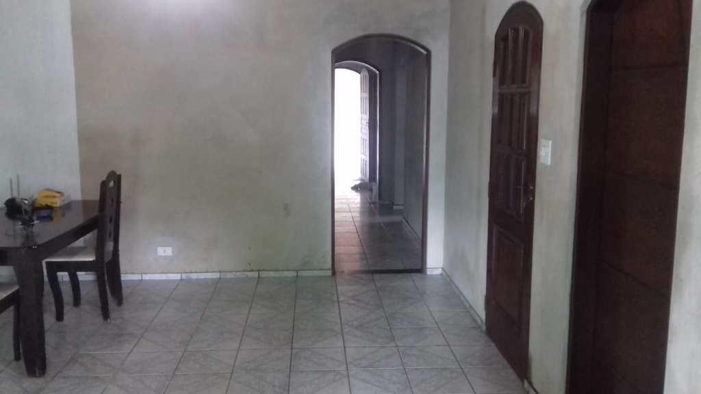 Casa em Itanhaém, no bairro Jardim Guacira
