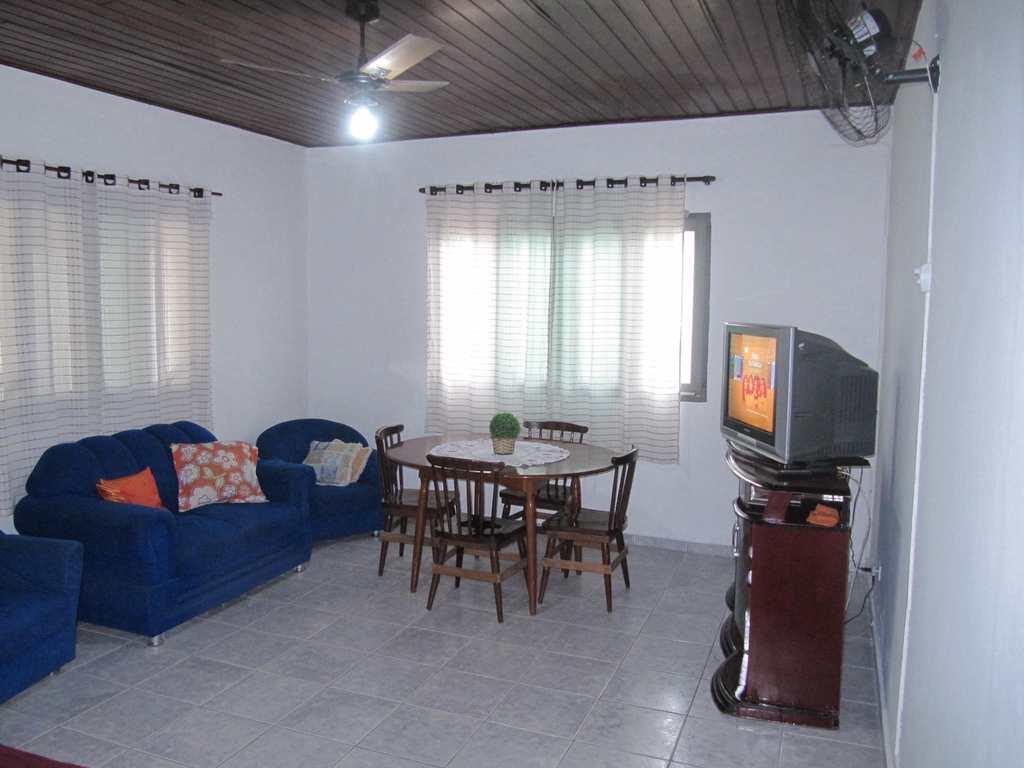 Casa em Itanhaém, no bairro Ivoty