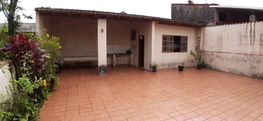 Casa em Itanhaém, no bairro Jardim Santa Terezinha