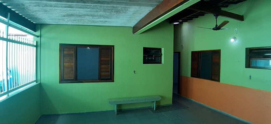 Prédio Residencial em Itanhaém, no bairro Jardim Savoy