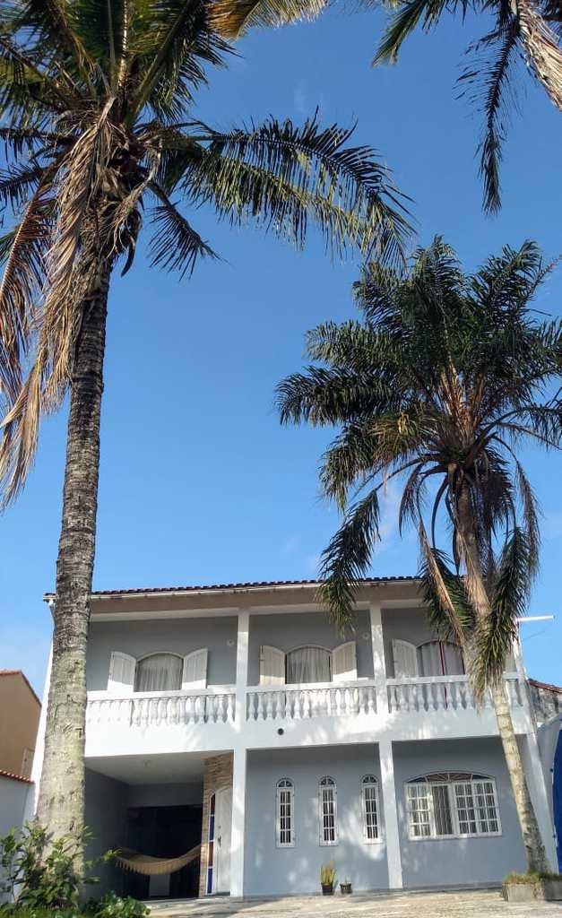 Sobrado em Itanhaém, no bairro Jardim Marilu