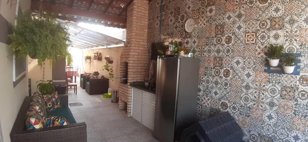 Casa em Itanhaém, no bairro Jardim Regina