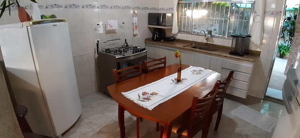 Casa em Itanhaém, no bairro Jardim Palmeiras