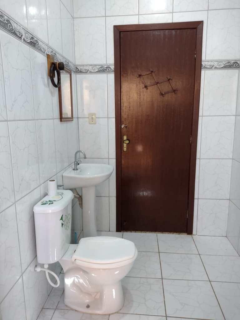Sobrado em Itanhaém, no bairro Balneário Tupy