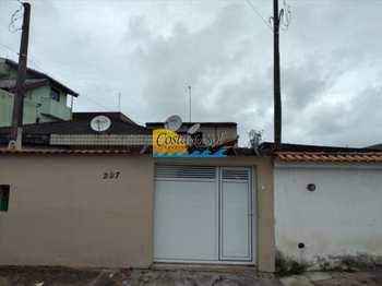 Casa, código 512348600 em Praia Grande, bairro Sítio do Campo