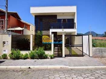 Casa, código 512238600 em Peruíbe, bairro Centro