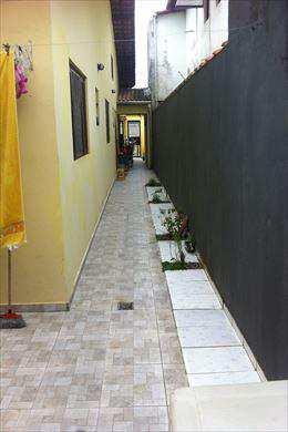 Casa em Mongaguá, no bairro Vila Vera Cruz