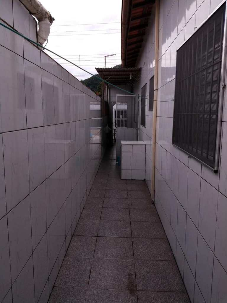 Casa em Mongaguá, bairro Balneário Umuarama