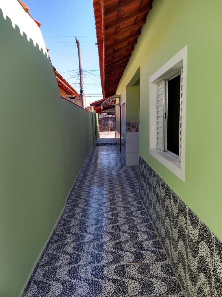 Casa em Mongaguá, no bairro Balneário Mar Sol