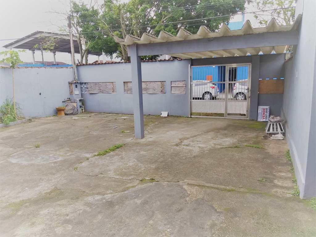 Casa em Mongaguá, no bairro Vera Cruz