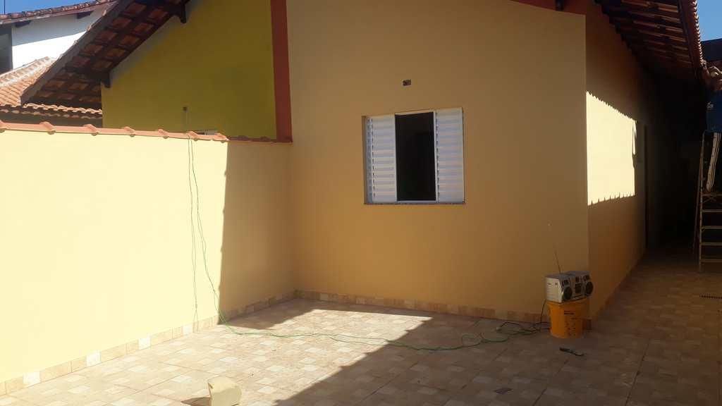 Casa em Mongaguá, no bairro Plataforma II