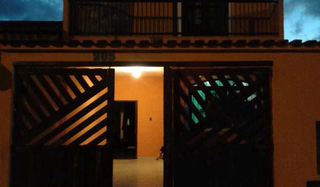 Sobrado em Mongaguá, bairro Balneário Plataforma