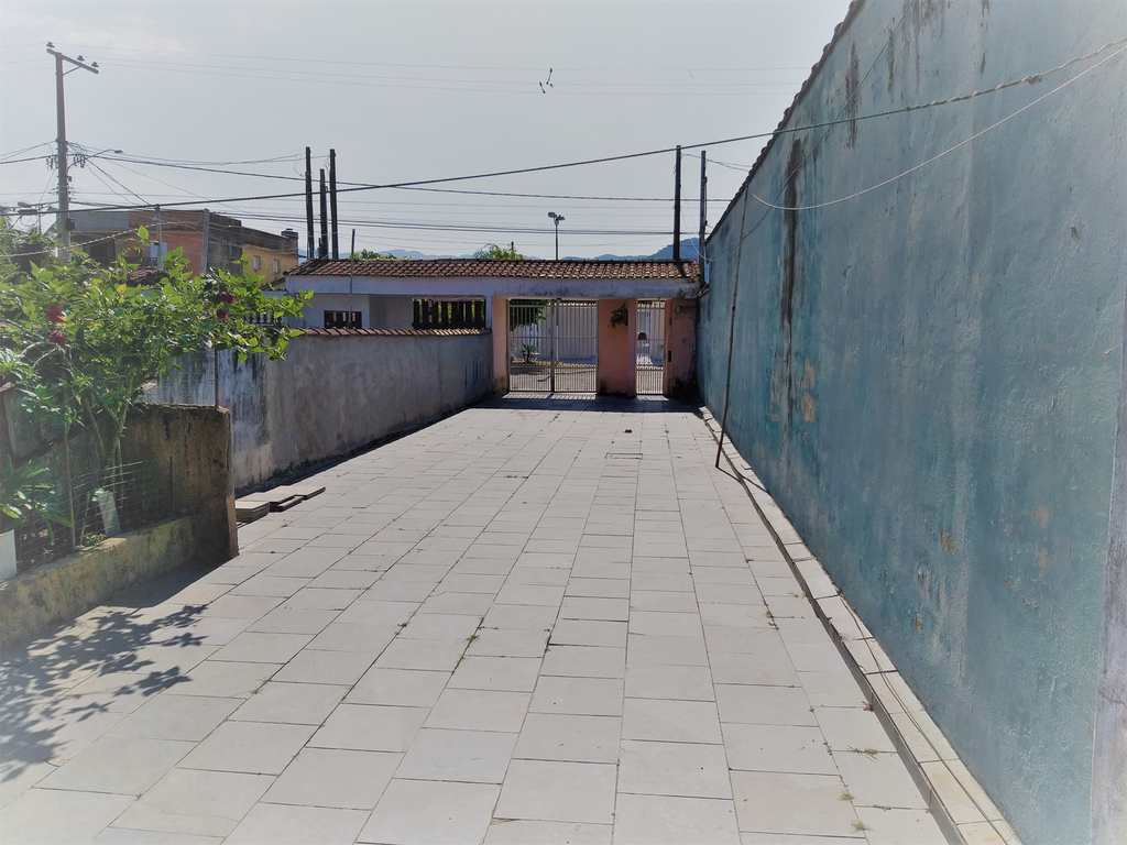 Casa em Mongaguá, no bairro Vila Dinopolis
