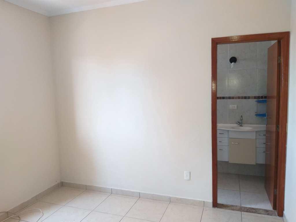 Apartamento em Mongaguá, no bairro Jardim Samoa