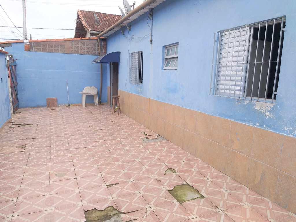 Casa em Mongaguá, no bairro Balneário Santa Eugênia