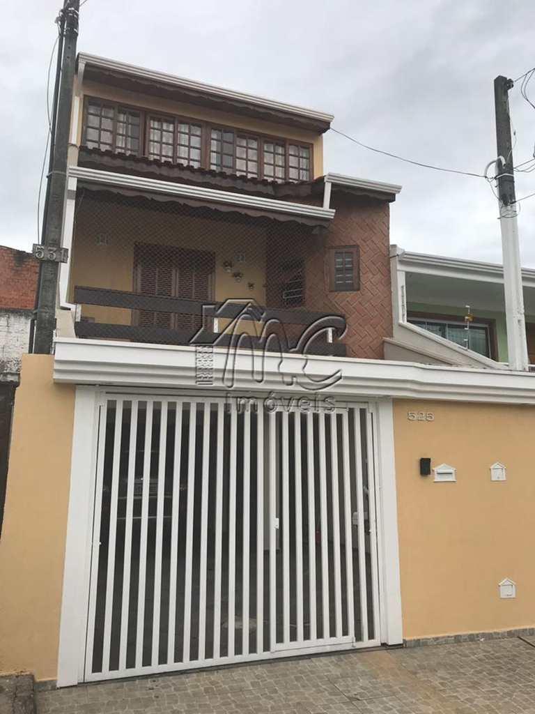 Sobrado em Sorocaba, no bairro Jardim Santo André