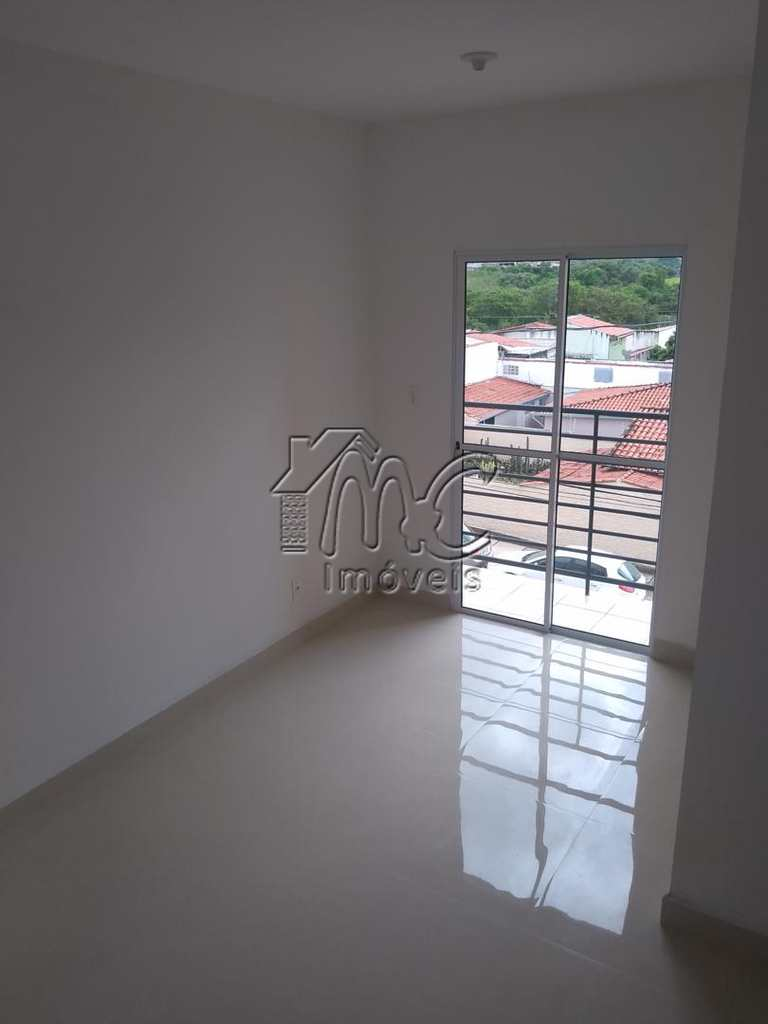 Apartamento em Sorocaba, bairro Jardim Simus