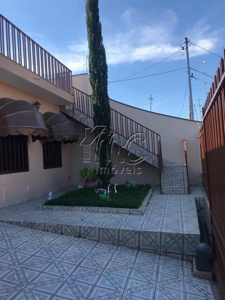Casa em Sorocaba, no bairro Jardim São Lourenzo