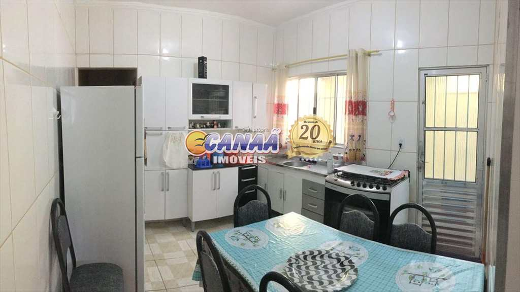 Casa em Mongaguá, no bairro Agenor de Campos
