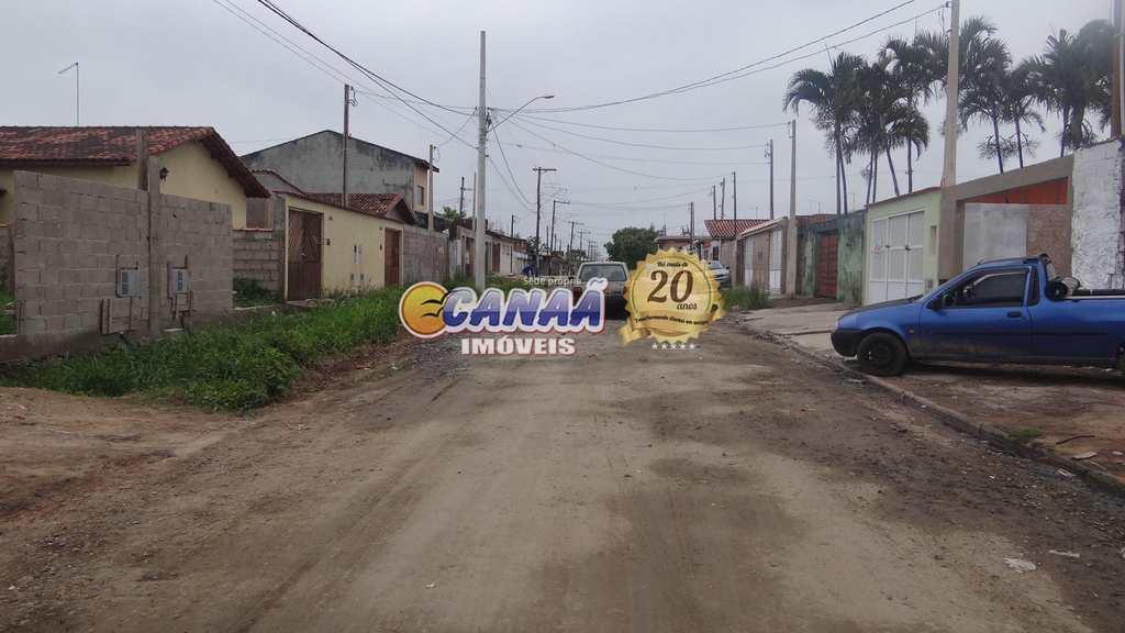 Terreno em Mongaguá, no bairro Balneário Jussara