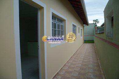 Casa em Itanhaém, no bairro Vila Loty