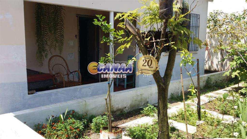 Casa em Mongaguá, no bairro Balneário Araty