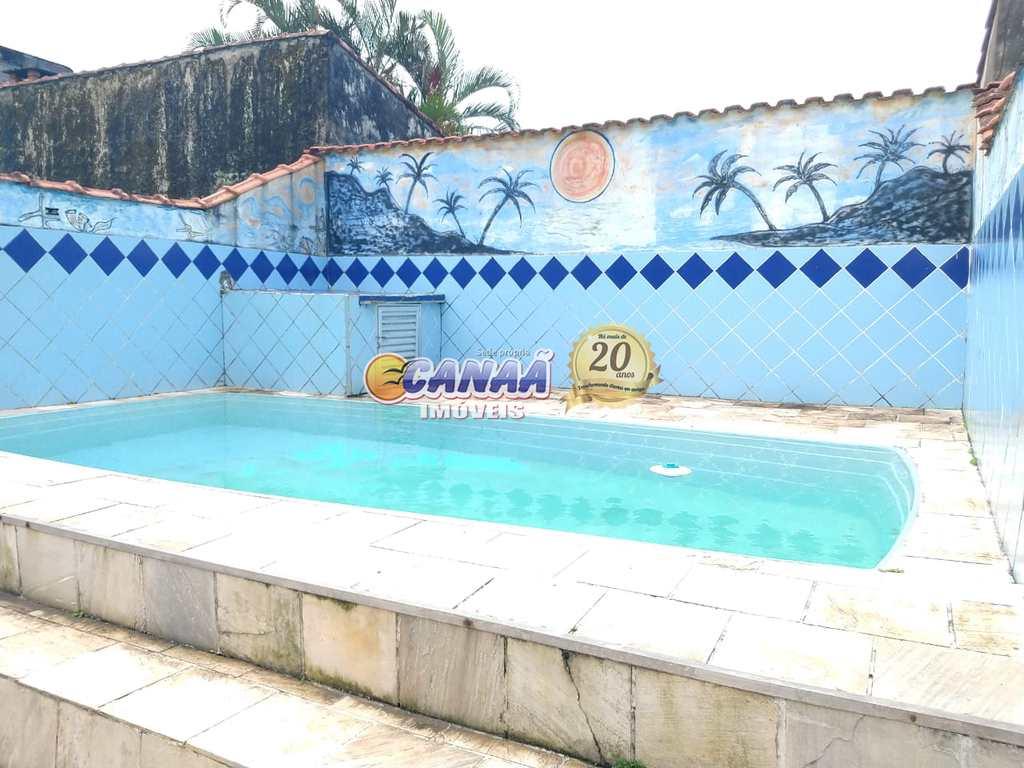 Casa em Mongaguá, no bairro Balneário Itaguai