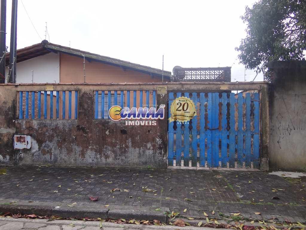 Casa em Mongaguá, no bairro Itaguai