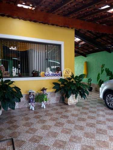 Casa, código 7571 em Mongaguá, bairro Flórida Mirim