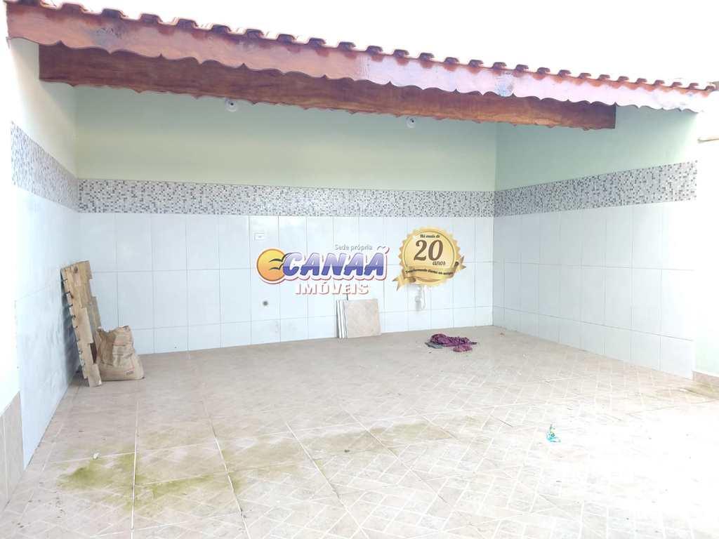 Sobrado em Mongaguá, no bairro Balneário Santa Eugênia