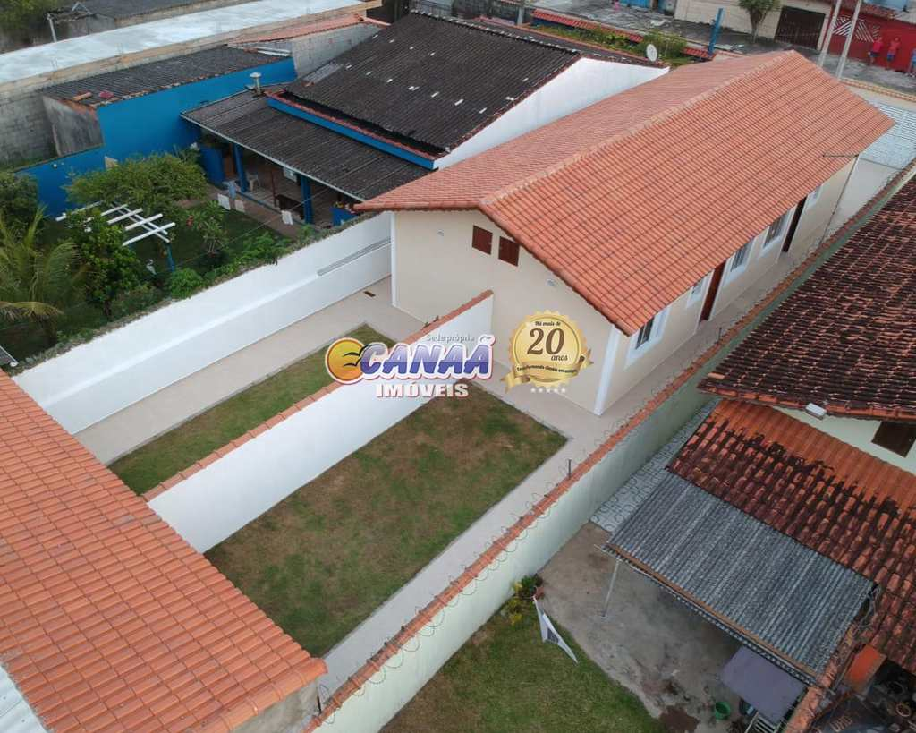 Casa em Mongaguá, no bairro Vila Atlântica