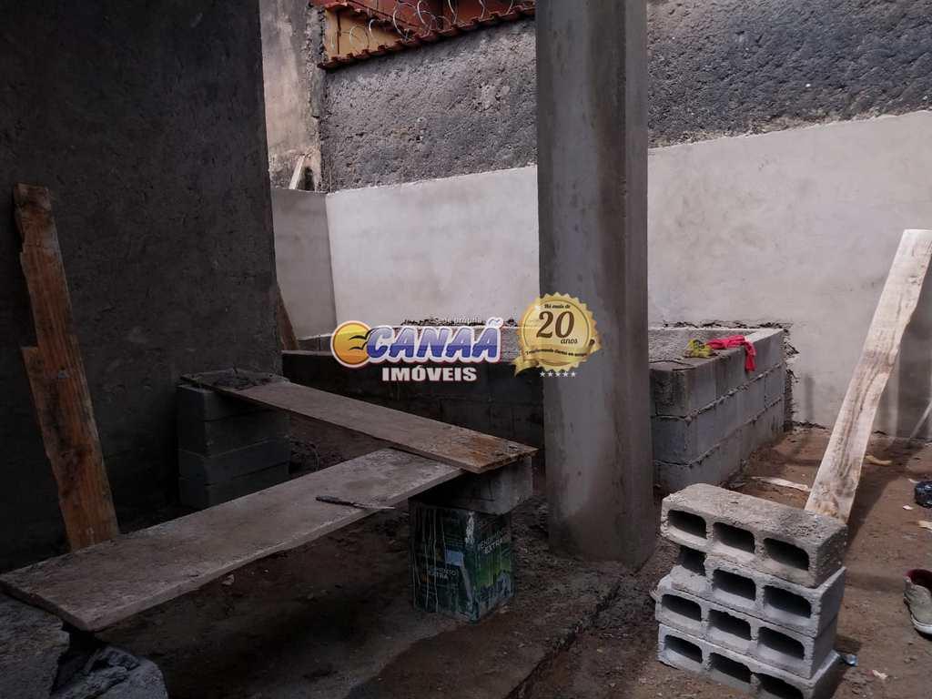 Casa em Mongaguá, no bairro Jd Leonor