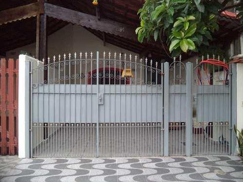 Casa, código 811301 em Praia Grande, bairro Caiçara