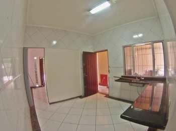 Casa, código 980009 em Praia Grande, bairro Tupi