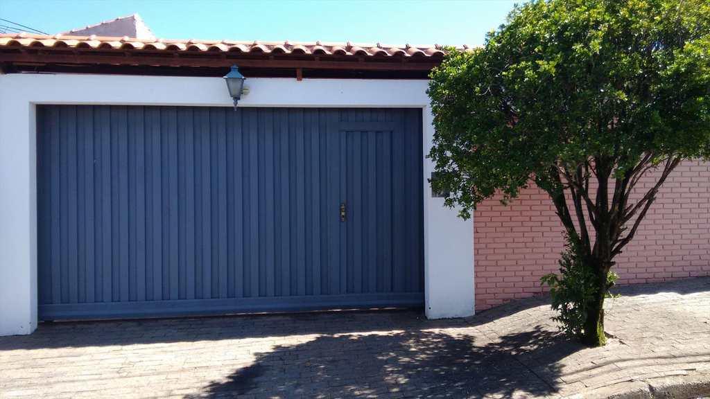 Casa em Itu, bairro São Luiz