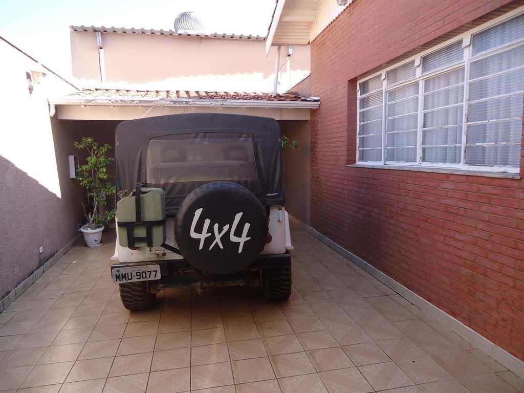 Casa em Itu, no bairro Parque das Rosas