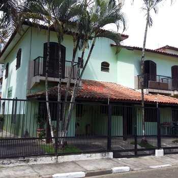 Sobrado de Condomínio em Caraguatatuba, bairro Indaiá