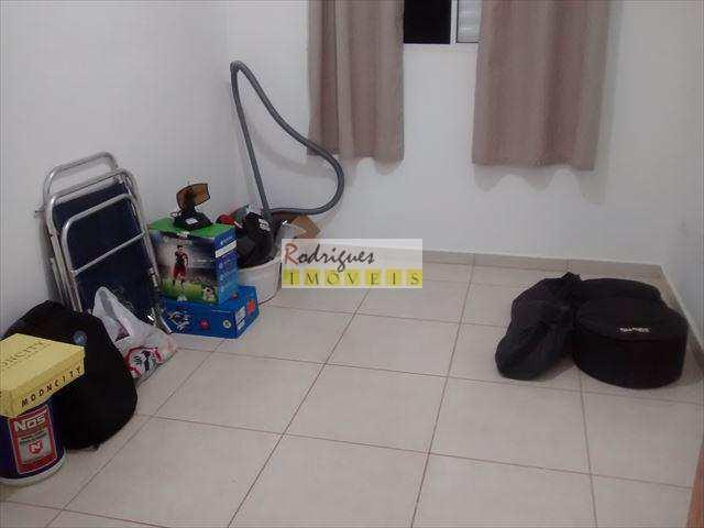 Apartamento em São Vicente, no bairro Parque Bitaru