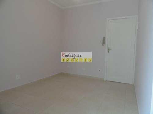 Apartamento, código 2372 em São Vicente, bairro Centro