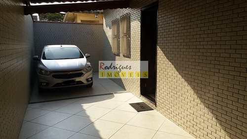 Casa, código 2105 em São Vicente, bairro Vila Valença