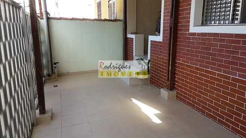 Casa, código 3233 em São Vicente, bairro Vila Valença